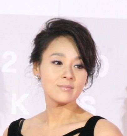 jeon-mi-seon-5fa5d089-ffa0-4717-9ae3-17c0da36143-resize-750.jpg